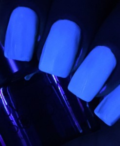 UV Glow Top Coat Swatches 1 - Solique Gel Polish