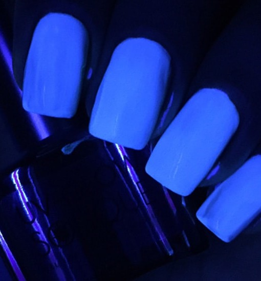 UV Glow Top Coat Swatches 1 - Solique Gel Polish