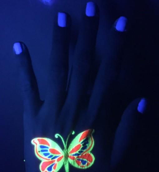 UV Glow Top Coat Swatches 2 - Solique Gel Polish